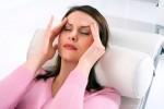 Kobieta ból głowy