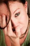 Kobieta - migrena, uraz głowy